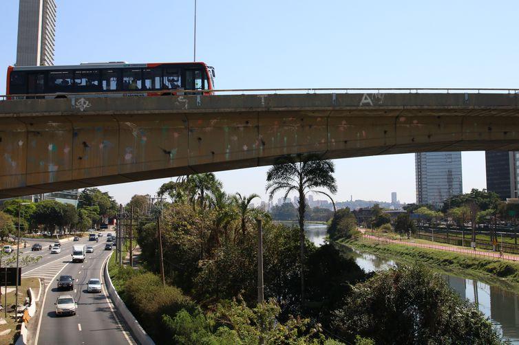 Trânsito na Marginal Pinheiros.
