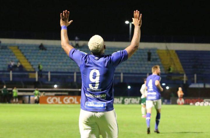 Avaí vence Goiás em Santa Catarina e sobe na tabela da Série B