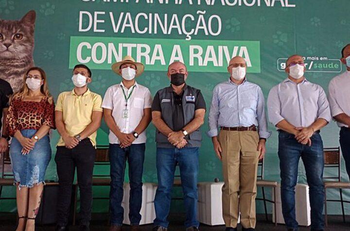 """Saúde promove Dia """"D"""" de vacina antirrábica na fronteira com a Bolívia"""