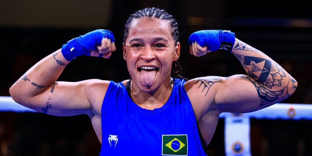 Bia Ferreira atropela rival e garante ouro no Mundial Militar de Boxe