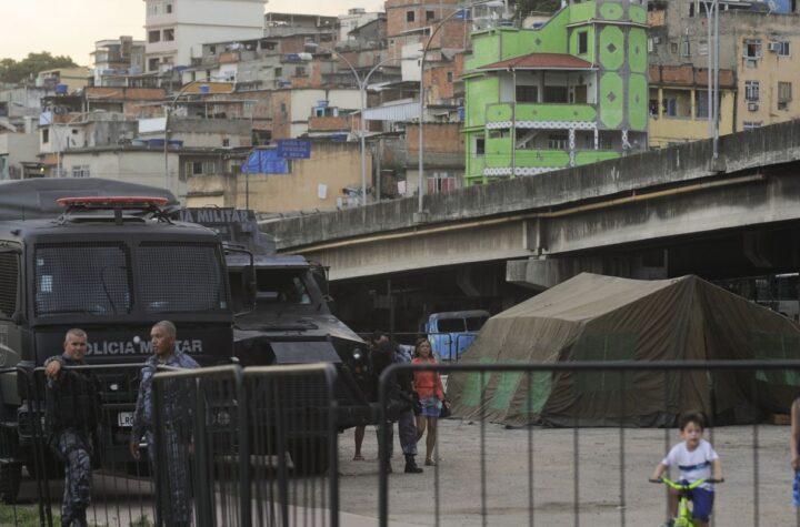 Cerca 54% dos moradores de favelas no Rio perderam emprego na pandemia