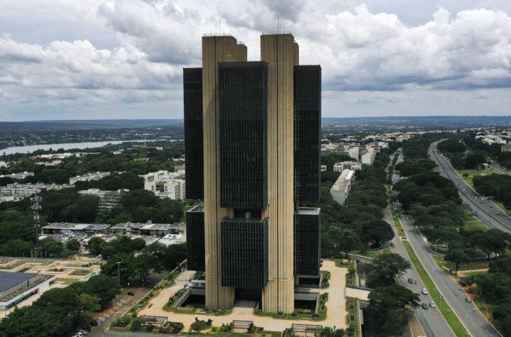 BC eleva projeção de crescimento da economia de 4,6% para 4,7%
