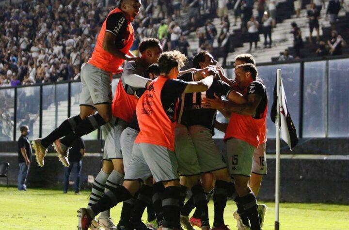 Vasco vence Goiás no reencontro com sua torcida