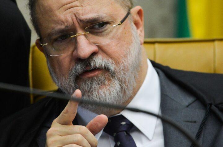 Aras defende autocontenção institucional no Ministério Público