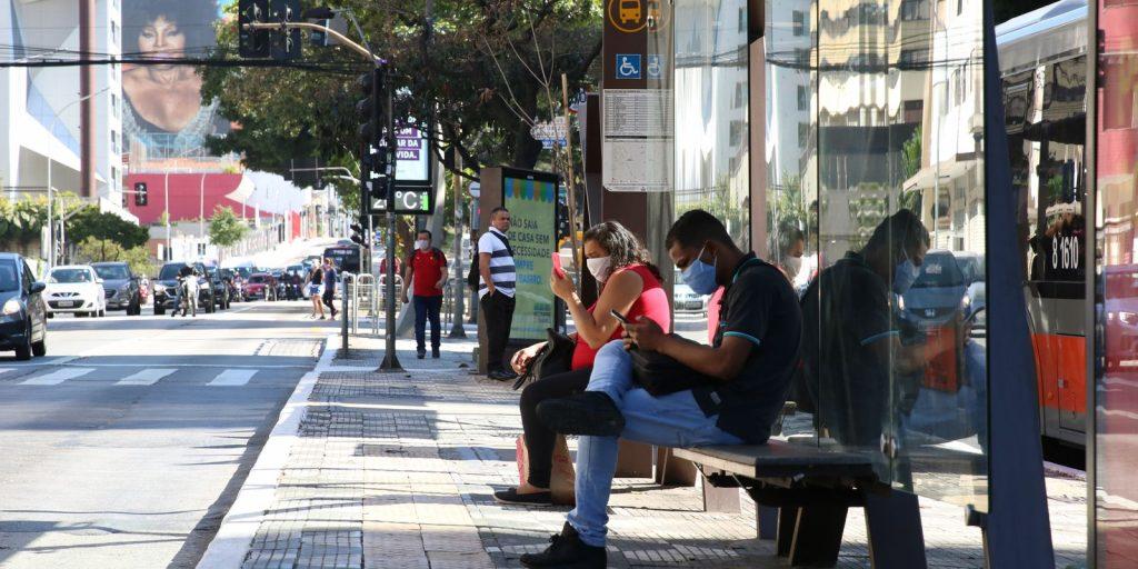 Covid-19: Brasil registra 21,2 milhões de casos e 590,7 mil mortes