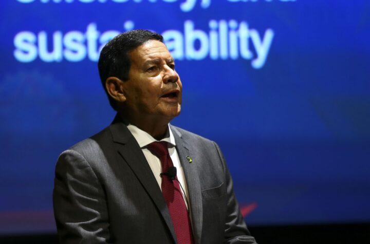 Brasil precisa preservar ao menos 80% da Amazônia, diz vice-presidente
